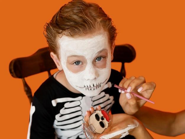 Portret Dziecka Z Przerażającym Kostiumem Na Halloween Darmowe Zdjęcia