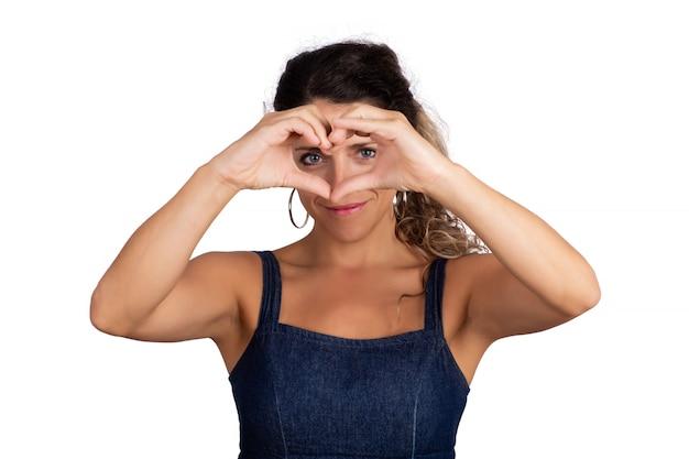 Portret Młodej Kobiety Piękne Zrobić Kształt Serca Rękami Darmowe Zdjęcia