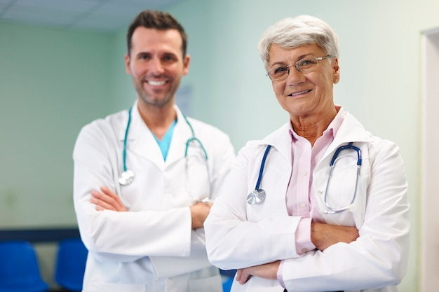 Portret Personelu Medycznego W Szpitalu Darmowe Zdjęcia