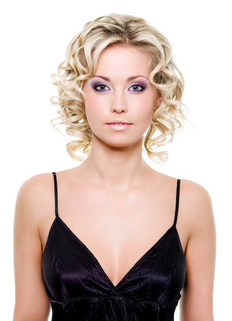 Portret Pięknej Blondynki Młodej Kobiety Darmowe Zdjęcia