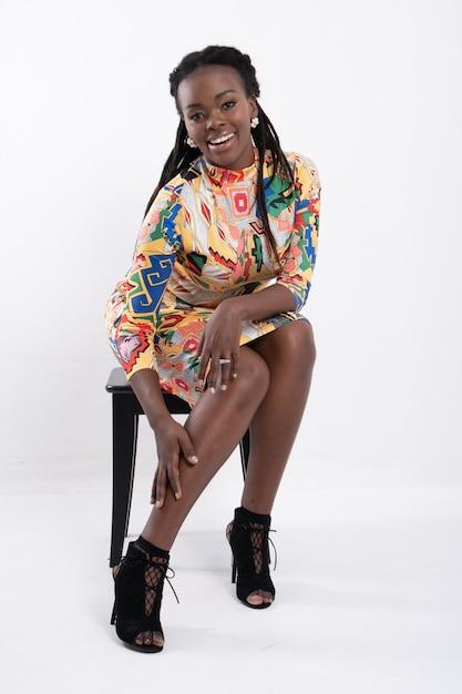 Portret Pięknej Kobiety Afrykańskiej. Premium Zdjęcia