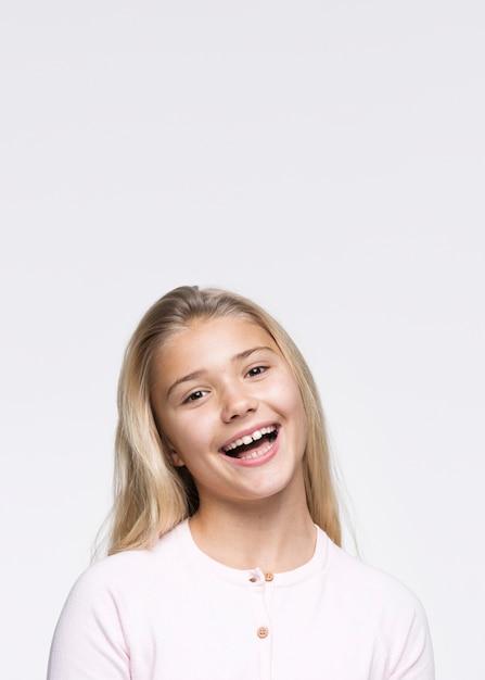 Portret Pięknej Młodej Dziewczyny Darmowe Zdjęcia
