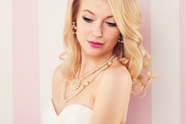 Portret Pięknej Narzeczonej Blondynki Darmowe Zdjęcia
