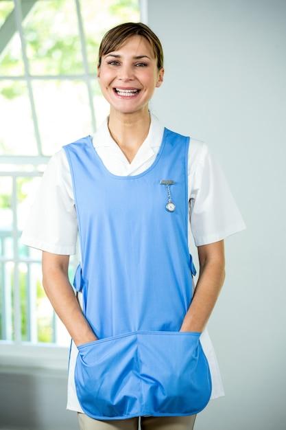 Portret Szczęśliwa Pielęgniarka Premium Zdjęcia