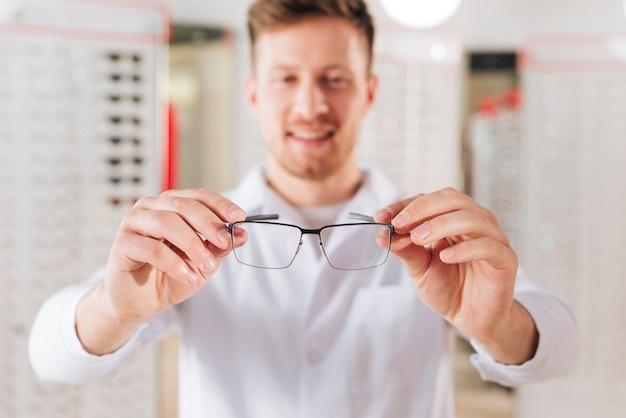 Portret życzliwy męski optometrist Darmowe Zdjęcia
