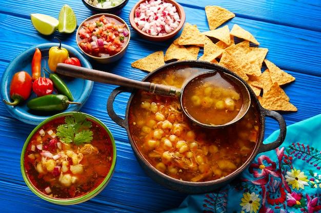 Pozole z mote big gulasz kukurydziany z meksyku Premium Zdjęcia