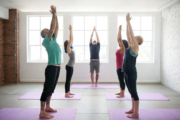 Praktyka jogi ćwiczenia koncepcja klasy Premium Zdjęcia