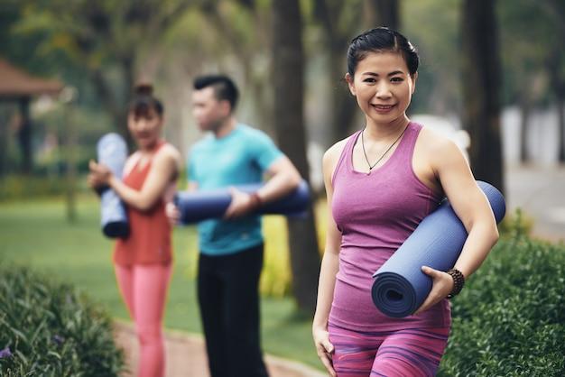 Praktykujący jogę Darmowe Zdjęcia