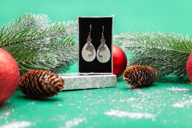 Prezent świąteczny Dla Kobiety Premium Zdjęcia