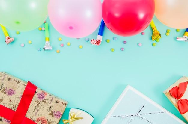 Prezent Urodzinowy Z Kolorowych Balonów Darmowe Zdjęcia