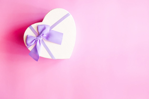 Prezent w kształcie serca Premium Zdjęcia