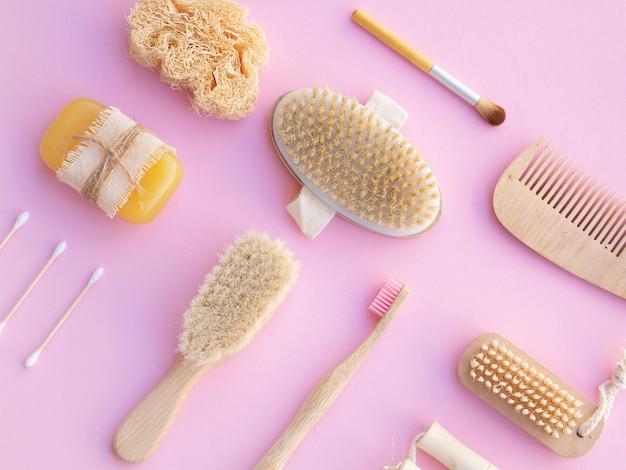 Produkty do pielęgnacji płaskiej świeckich na różowym tle Darmowe Zdjęcia