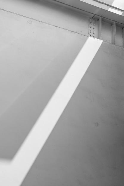 Promień świetlny rzutowany na elewację Darmowe Zdjęcia