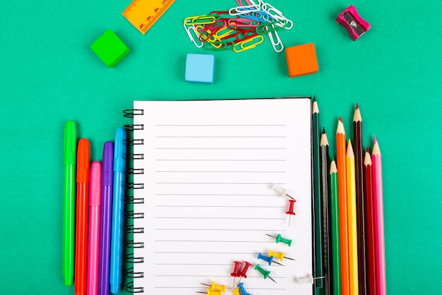 Przybory szkolne, concept back to school, Premium Zdjęcia