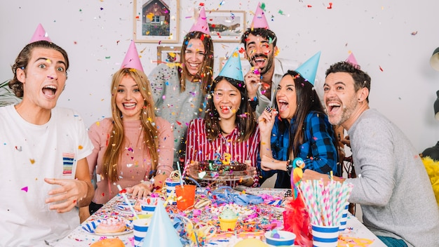 Przyjaciele Na Przyjęciu Urodzinowym Darmowe Zdjęcia