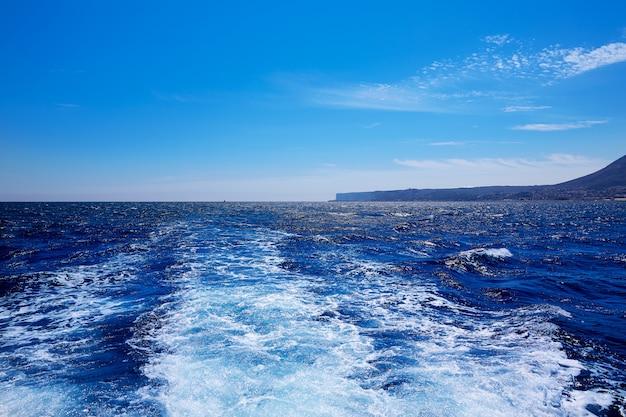 Przylądek Denia San Antonio W łodzi W Alicante Premium Zdjęcia