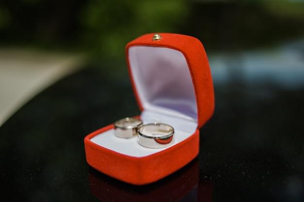 Pudełko Na Obrączki ślubne Premium Zdjęcia