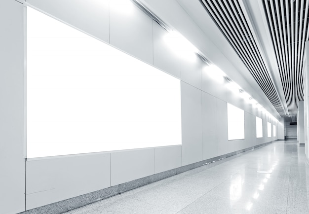 Pusta Tablica Stacji Metra Hall Premium Zdjęcia