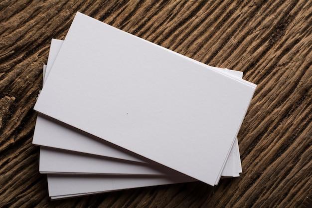 Puste Białe Wizytówka Prezentacji Corporate Tożsamości Na Tle Drewna Darmowe Zdjęcia