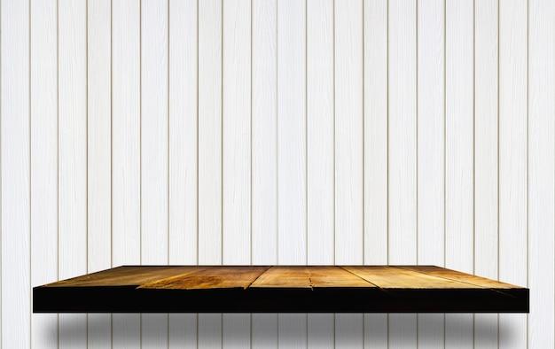 Puste Drewniane Półki Na Drewnianej ścianie Zdjęcie