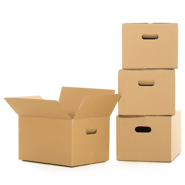 Puste i zamknięte pudełka na bielu Darmowe Zdjęcia