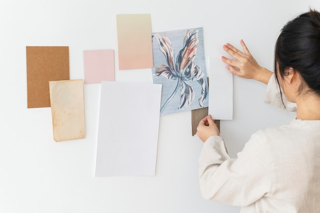 Puste Kartki Papieru Na ścianie Darmowe Zdjęcia