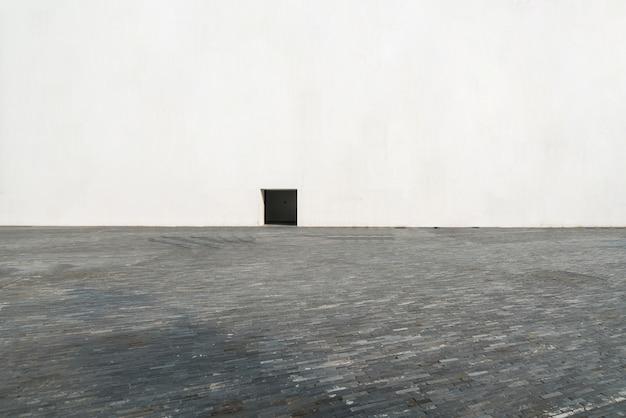 Puste Podłogi I Białe Okna Premium Zdjęcia