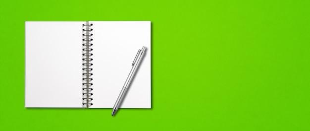 Puste Puste Makieta Notatnik Spirala I Długopis Na Białym Tle Premium Zdjęcia