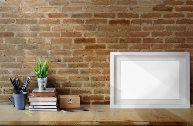 Puste rama plakat na stół z drewna Premium Zdjęcia