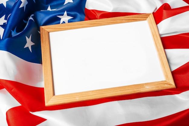 Puste ramki na tle flagi amerykańskiej Premium Zdjęcia