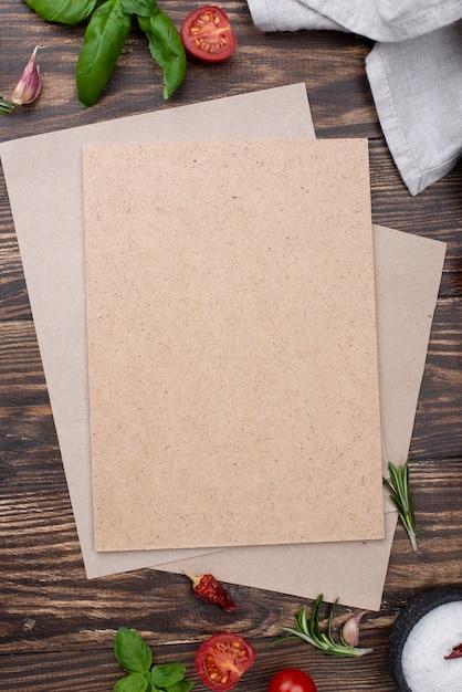 Pustego Papieru Prześcieradło Z Kulinarnymi Składnikami Na Stole Darmowe Zdjęcia