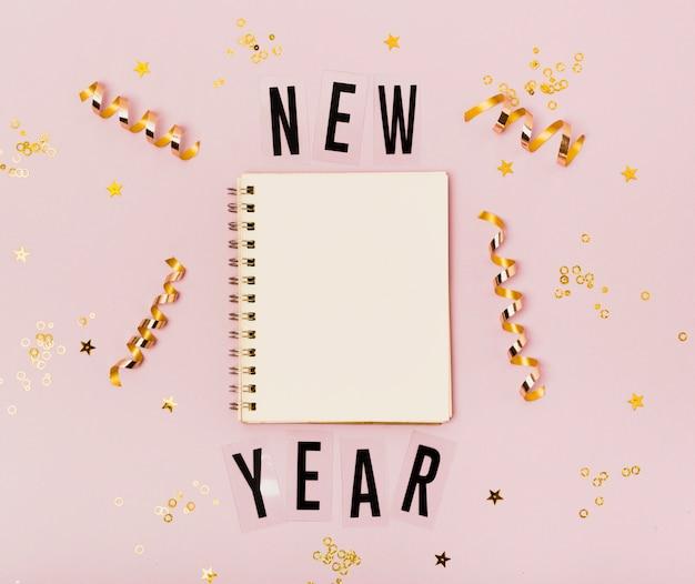 Pusty notepad nowy rok z kopii przestrzenią Darmowe Zdjęcia