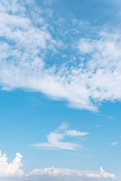 Puszyste Chmury Widziane Z Samolotu Darmowe Zdjęcia