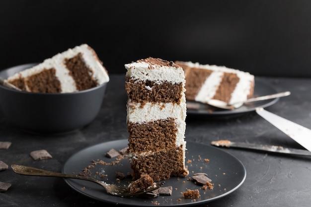 Pyszne Ciasto Na Czarnym Talerzu Darmowe Zdjęcia
