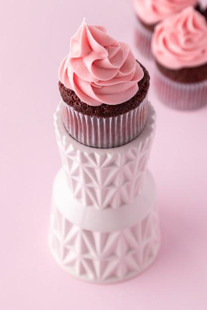 Pyszne Różowe Ciastko Wysoki Kąt Darmowe Zdjęcia