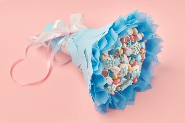Pyszny bukiet kolorowych pianek i innych słodyczy Premium Zdjęcia