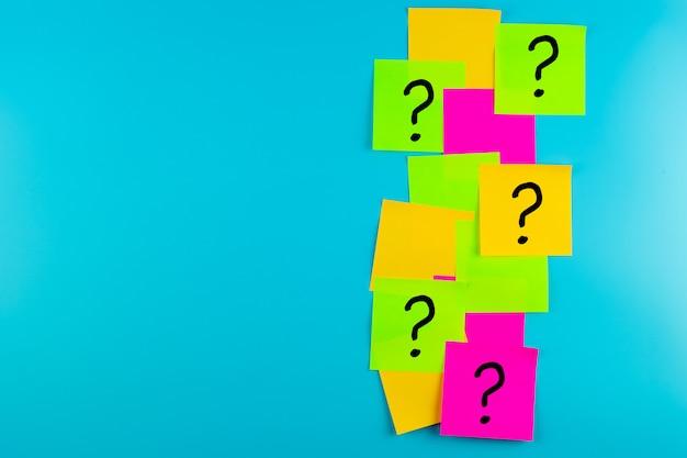 Pytania Często Zaznaczaj Słowo (?) W Formie Papierowej. Faq (najczęściej Zadawane Pytania), Odpowiedzi, Pytania I Odpowiedzi, Komunikacja I Burza Mózgów, Międzynarodowe Zadaj Pytanie Dzień Koncepcje Premium Zdjęcia
