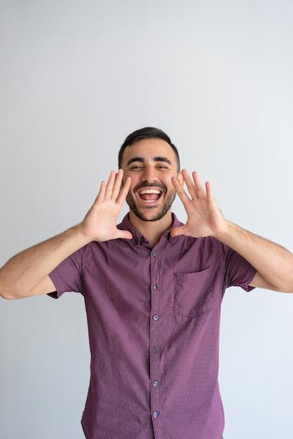Radosny facet dzielący dobre wieści Darmowe Zdjęcia