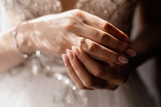 Ręce Panny Młodej Z Bliska Darmowe Zdjęcia