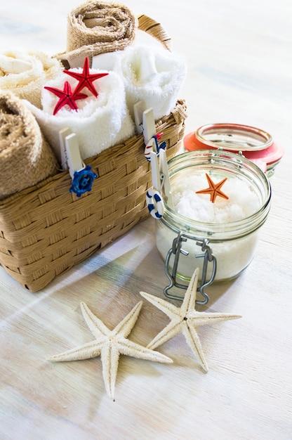 Ręczniki Kąpielowe I Gwiazdki Morskie Premium Zdjęcia
