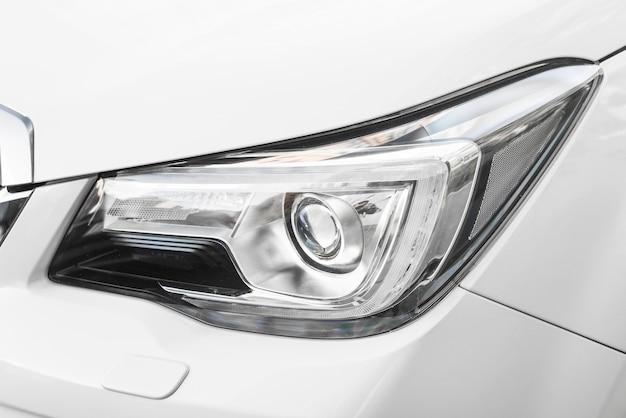 Reflektor nowego białego samochodu Darmowe Zdjęcia