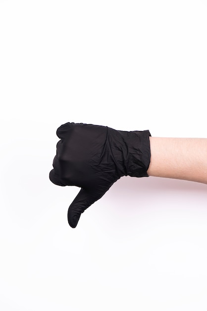 Ręki W Czarnych Medycznych Rękawiczkach Odizolowywać Premium Zdjęcia