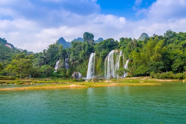 Rock Ban Las Tropikalna Piękna Dżungla Darmowe Zdjęcia