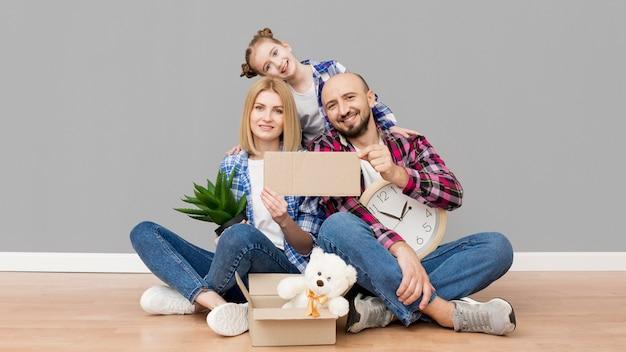 Rodzina Przeprowadzka Do Nowego Domu Darmowe Zdjęcia