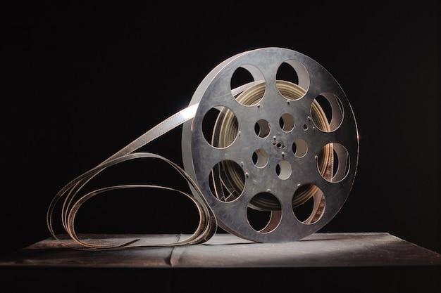 Rolka Filmu Na Czarnej Powierzchni Premium Zdjęcia