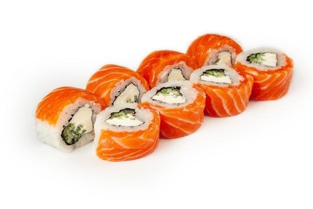 Rolki Sushi Na Białym Tle Premium Zdjęcia