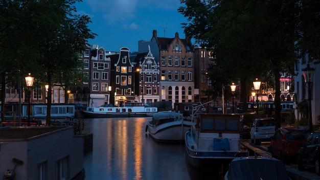 Romantyczny Wieczór Amsterdam, Holandia Premium Zdjęcia