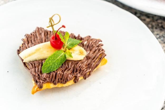 Roti Z Czekoladą I Bananem Premium Zdjęcia