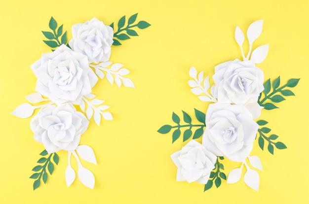 Rozmieszczenie Z Białymi Kwiatami I żółtym Tłem Darmowe Zdjęcia