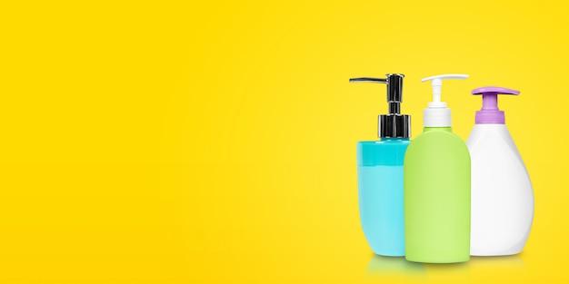 Różne Butelki Mydła W Płynie. Premium Zdjęcia